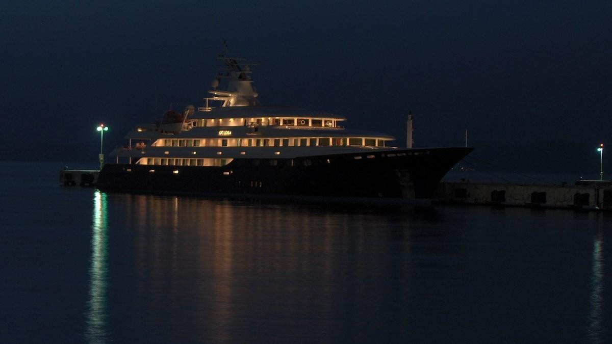 Öz Titanik (: