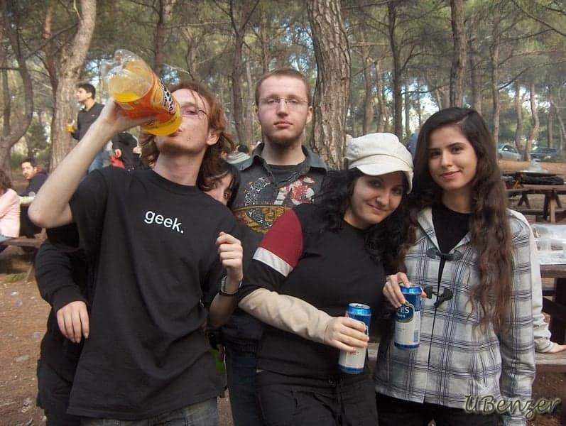 Soldan sağa: Didem, Ben, Didem, Hüss., Gözde, Özgü