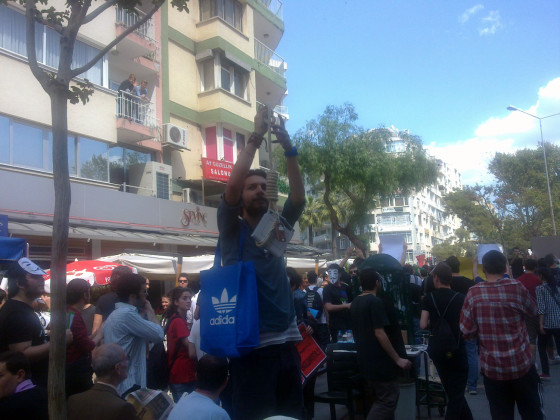 İzmir Sansür