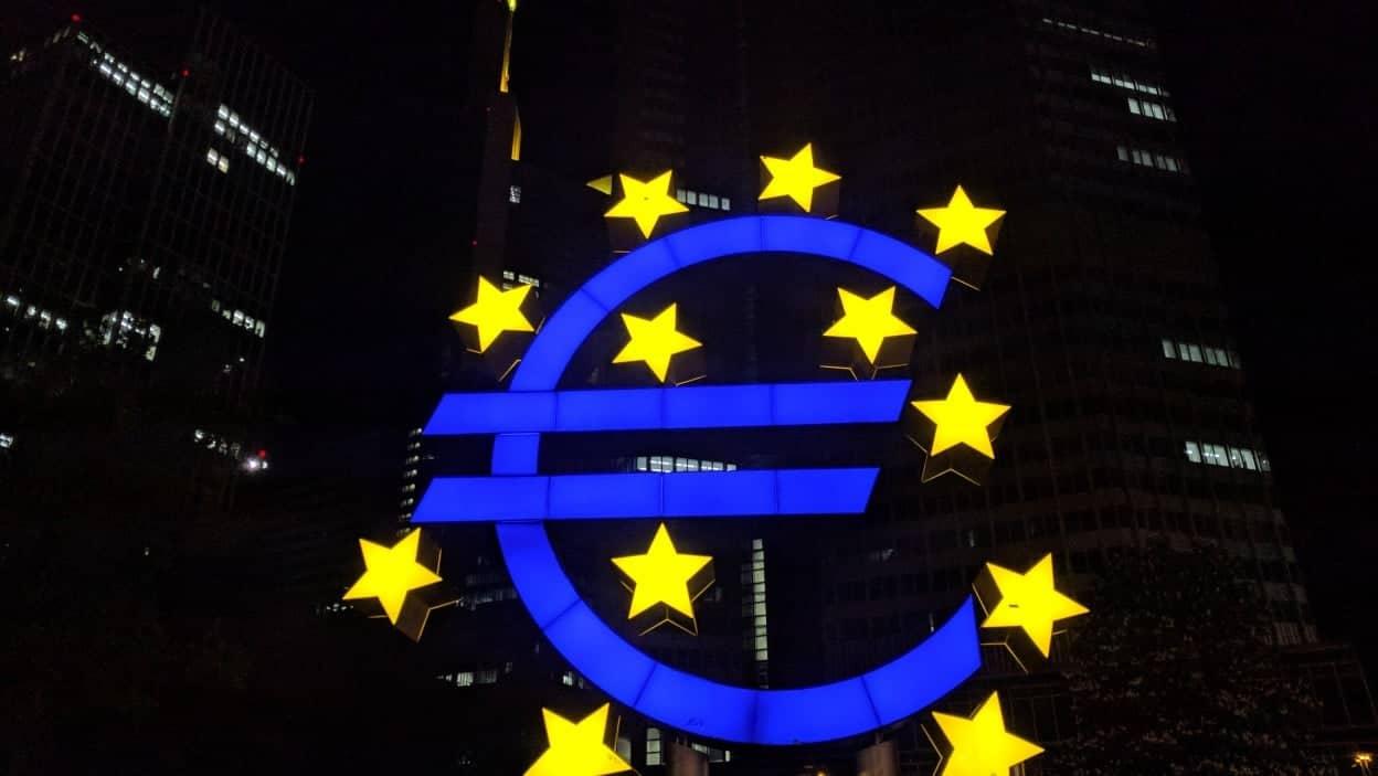 euro heykeli